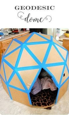 Geodesic Dome cardboard house - Fun things to do with your kids on cold days! #cattoys