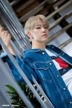 Hoshi (Seventeen) - the guy who melts America with lovely appeal Wonwoo, Jeonghan, Seungkwan, Hoshi Seventeen, Seventeen Debut, Vernon, Kpop, Hip Hop, Carat Seventeen