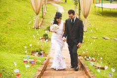 Decoração de #Casamento. Casamento no #campo. #Casamentoaoarlivre Casamento #rústico. Casamento romantico e delicado. Decoração no estilo #diy. Faça você mesmo.