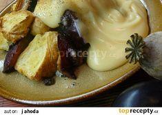 Švestkobába s mákem a pudinkovým přelivem Camembert Cheese, Mashed Potatoes, Dairy, Chicken, Meat, Ethnic Recipes, Food, Whipped Potatoes, Smash Potatoes