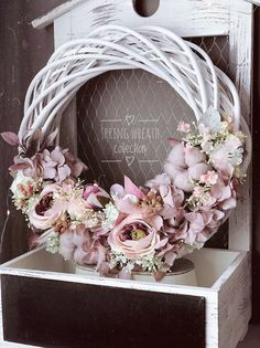 Garden Crafts, Diy Crafts, Rustic Fabric, Grapevine Wreath, Floral Wreath, Projects To Try, Easter, Wreaths, Ornaments