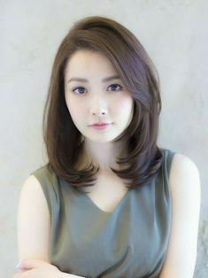 17 Peachy Korean Hairstyles Women Shoulder Length 30 Modern Asian Hairstyles For Women And Girls It's not a secret that Asian women are born with beautiful silky hair As a proof – these 30 marvelous A. Medium Hair Cuts, Short Hair Cuts, Medium Hair Styles, Curly Hair Styles, Short Styles, Haircuts For Fine Hair, Girl Haircuts, Korean Hairstyles Women, Asian Hairstyles