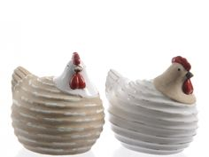 Ceramic Chicken Ornament A charming ceramic chicken ornament, this fat and happy little hen is bound to please any poultry owner.Size: 13 x 10 x choose from either beige or white. Pottery Animals, Ceramic Animals, Ceramic Birds, Ceramic Clay, Ceramic Pottery, Sculptures Céramiques, Paper Mache Sculpture, Pottery Sculpture, Ceramic Chicken