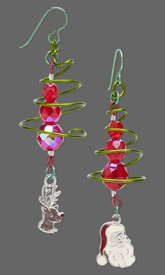 Christmas Tree Wirework Earrings with Czech Fire-Polished Glass Beads and Christmas Charms. #Christmasjewelry #DIYjewelry #holiday