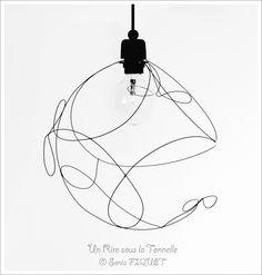"""Luminaire suspension en fil de fer """"Légèreté"""" & libellules : Luminaires par un-rire-sous-la-tonnelle"""
