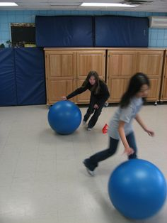 Heading 1 To try switch from the outer circle to inner circle to outer circle as few times as possible. Stability Ball, Inner Circle, Physical Education, Literacy, Balls, Coaching, Soccer, Exercise, Gym