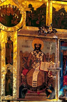 [RUSSIA.GOLDENRING 26.008] 'Jesus the High Priest.'  Detail of the 17th century iconostasis of Suzdal's Nativity Cathedral showing Jesus as High Priest. Photo Mick Palarczyk.