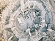 Göbekli Tepe of Turkey is a new discovery in archaeology! It can be likened to the Stonehenge. However, Göbekli Tepe is 6500 years older than the Stonehenge. If the Stonehenge is one circle of… Ancient Mysteries, Ancient Ruins, Ancient Artifacts, Ancient History, Unexplained Mysteries, Historical Artifacts, Historical Monuments, Ufo, Site Archéologique