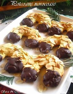 Potcoave norocoase / Farsecuri ~ Culorile din farfurie Christmas Deserts, Four, Stuffed Mushrooms, Food And Drink, Sweets, Beef, Cookies, Vegetables, Ethnic Recipes