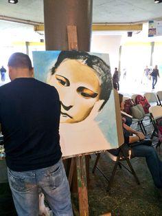 UPR-Arecibo celebra Centenario Julia de Burgos. Artista Yadiel Méndez en pleno proceso de creación. Hoy 18 de febrero 2014