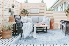 Modern Deck Makeover – Diy Home Resin Patio Furniture, Patio Furniture Cushions, Indoor Outdoor Furniture, Backyard Furniture, Outdoor Spaces, Outdoor Decor, Rattan Furniture, Antique Furniture, Outdoor Living