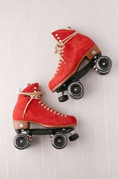 Moxi suede roller skates in 9 colors Retro Roller Skates, Roller Skate Shoes, Quad Roller Skates, Roller Derby, Roller Skating, Outdoor Roller Skates, Rollers, E Skate, Birthday Gifts For Teens