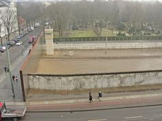 Mitte/Brunnenviertel, Berlin; Picture of the Todesstreife (deathstrip) at Bernauer Straße/Ackerstraße, taken from the top of Besucherzentrum der Gedenkstätte Berliner Mauer (Berlin Wall Memorial).