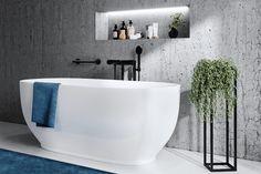 Jörger zeigt ein modernes Badezimmer, ausgestattet mit einer freistehenden Badewanne und schwarzen Armaturen. Jörger | www.joerger.de Shower Set, Mixer, Bathtub, Bathroom, Black, Design, Company Profile, Freestanding Tub, Taps