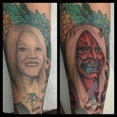 """Ειδήσεις: Ερωτευμένος """"χτύπησε"""" τατουάζ πάνω του το πρόσωπο της γυναίκας του. Μόλις χώρισε το μετάνιωσε, όμως βρέθηκε λύση..."""