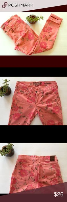 Lucky Brand Floral Skinny Jeans Color: Pink with floral pattern. Size 29. Lucky Brand Jeans Skinny