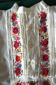 Embroidery On Kurtis, Kurti Embroidery Design, Embroidery On Clothes, Embroidery Motifs, Shirt Embroidery, Learn Embroidery, Embroidered Clothes, Hand Embroidery Designs, Embroidery Thread