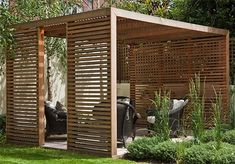 As the days get hotter and the sun becomes even more dangerous, building a wooden pergola makes perfect sense.