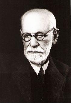 Los hombres son más morales de lo que piensan y mucho más inmorales de lo que pueden imaginar. Sigmund Freud