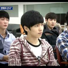 video 2014 from Rocky predebut, Moonbin derrière Sanha, Minhyuk, Kpop Groups, Boyfriend Material, Bias Wrecker, K Idols, Kdrama, Dancer, Guys