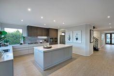 Porter Davis Homes - House Design: Charlton Open Plan Kitchen Diner, Open Plan Kitchen Living Room, Kitchen Design Open, Kitchen Layout, Kitchen Dining, Kitchen Interior, Interior Design Living Room, Hamptons Kitchen, Cocinas Kitchen