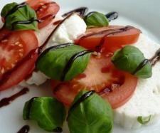 Veganer Mozzarella mit dem Thermomix (Cashewkerne, Flohsamenschalen, Kokosfett, Margarine, Zitronensaft, Hefeflocken, Salz, Senf, Pfeffer)