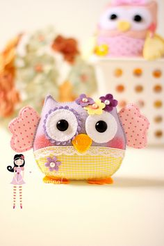 little stuffed owl Felt Owls, Felt Birds, Felt Animals, Owl Sewing, Sewing Crafts, Sewing Projects, Owl Birthday Parties, Owl Fabric, Owl Crafts