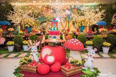 Festa: Branca de Neve |Decor: @la_festiva #DentroDaFesta. . .  #party #ideias #festa #decoracao #decoracaoinfantil  #kidsdecor #disney #wdw #waltdisneyworld #princess #kidsparties #disneyparty #disneyprincess #brancadeneve #snowwhite #snowwhiteparty #snowwhitecake  #instagram #instacelebrate  #instaparty #fiestainfantil  #aracaju #sergipe #vilavelha #vitoria