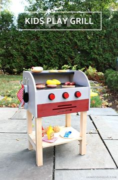Looking for ideas for a kids playhouse? Check out the free plans for this adorable DIY kids play grill!