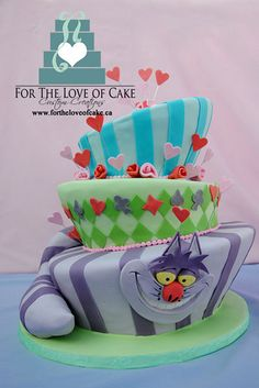 Cheshire cat cake is a perfect piece for an Alice in Wonderland themed party! Mad Hatter Cake, Mad Hatter Party, Mad Hatter Tea, Alice In Wonderland Cakes, Alice In Wonderland Birthday, Wonderland Party, Cheshire Cat Cake, Chesire Cat, Cute Cakes