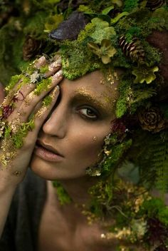 41 Ideas Mother Nature Costume Hair Forest Fairy For 2019 Fantasy Queen, Fantasy Make Up, Fantasy Model, Fairy Fantasy Makeup, Dark Fairy Makeup, Fantasy Art, Fantasy Fairies, Fx Makeup, Models Makeup
