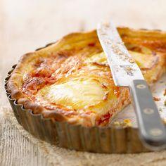 Découvrez la recette Tarte à la tomate et au chèvre sur cuisineactuelle.fr.