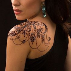 11 Most Stylish Shoulder Tattoo Designs for Girls | Tattoo Design Gallery