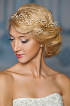 Bianca hair piece from Fancy Bowtique Bridal Couture