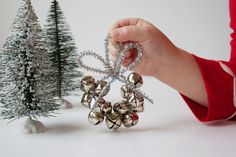 jingle-bell-ornament with pipe cleaners and bells