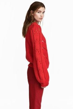 Jumper in a soft, chunky knit containing some wool with a hole-knitted pattern on the front and sleeves, long balloon sleeves and ribbing around the necklin Pink Trousers, Red Cardigan, Pink Sweater, Jumper, Metallic Skirt, H&m Online, Red Sweaters, Knit Patterns, Knit Dress