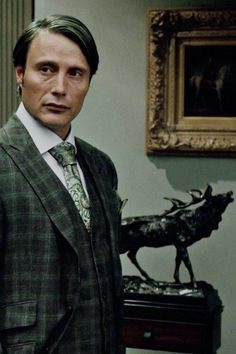 Mads Mikklesen) Dr. Henrey Solomon. European Wizard who moved to America after Grindelwald started taking over. Muggle-born and thought to have sanctuary only to have as much discrimination in America due to his parentage.