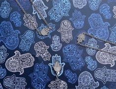 """The palm-shaped hamsa is an ancient symbol of protection. The word """"hamsa"""" means """"5"""" and refers to the five fingers but also to the five senses. #PANDORA #PANDORAbracelet #PANDORAcharm #PANDORAmagazine"""