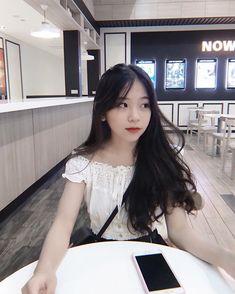 Pretty Korean Girls, Cute Korean Girl, Bad Boy Aesthetic, Aesthetic Makeup, Bad Gyal, Bad Girlfriend, Korean Best Friends, Best Photo Poses, Mermaid Drawings