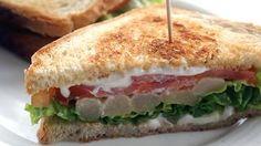 Sándwich vegetal.    Bocadillos fríos y calientes, perritos (hot dogs), sándwiches y hamburguesas (burguers).     http://www.maremondo.es/