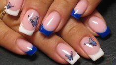 The roundup of best spring manicure ideas with color-blocked pastels, French tips, colorful floral elements and more. Spring nail art ideas to make your nail designs look stunning! Yellow Nails Design, Pink Nail Designs, Cool Nail Designs, Blue French Manicure, French Tip Nails, Spring Nail Art, Spring Nails, Diy Nails Manicure, Manicure Ideas