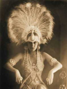 Gloria Swanson huge ostrich headdress -1919