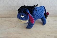 Æseldyret hækleopskrift Crochet Art, Crochet For Kids, Crochet Toys, Crochet Patterns, Crochet Ideas, Knitting Stitches, Baby Knitting, Crochet Disney, Knitted Animals