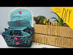 DIY ::: Carteira Porta-Celular - YouTube Sew Wallet, Fabric Wallet, Fabric Purses, Fabric Bags, Sewing Hacks, Sewing Tutorials, Sewing Projects, Patchwork Bags, Quilted Bag