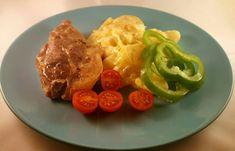 15 nye middager under 70 kr for familie på 4 Coleslaw, Nye, Baguette, Meat, Chicken, Recipes, Food, Red Peppers, Coleslaw Salad