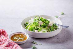 Créatifs avec Boursin ® Seaweed Salad, Boursin, Soup, Ethnic Recipes, Vegetable Salad, Garlic, Cheese, Soups