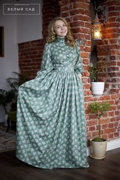 Long dress - Alexis is Word! Linen Dresses, Modest Dresses, Modest Outfits, Simple Dresses, Modest Fashion, Hijab Fashion, Pretty Dresses, Casual Dresses, Fashion Dresses
