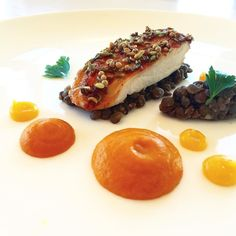 #closeup  Honey glazed chicken with lavender fennel and coriander seeds lentils ragout apricot jam carrot and brown butter puree. . #beautifulcuisines #berlinerspeisemeisterei #chef #chefsroll #chefstalk #chefsofinstagram #dontshootthechef #expertfoods #foodstarz #foodphotography #gourmetartistry #gastroart #hipsterfoodofficial #igers #instafood #instagram #iphoneonly #lefooding #privatechef #tastefullyartistic #thestaffcanteen #theartofplating #wildchefs by ncarisse