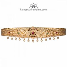 Stunning gold vaddanam collections by Kameswari Jewellers. Shop online from South India's finest traditional jewellers. Mughal Jewelry, India Jewelry, Gold Bridal Earrings, Bridal Jewelry, Gold Jewellery Design, Gold Jewelry, Pearl Jewelry, Diamond Jewelry, Vaddanam Designs
