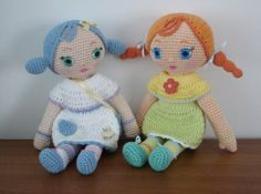 Crochet Mooshka dolls to make for you and a friend. Pattern by AmigurumiBB.